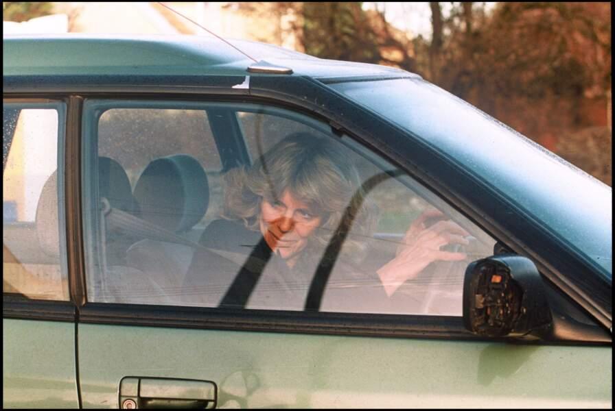 Décembre 1993 : Camilla Parker Bowles conduisait sa propre voiture en 1993.