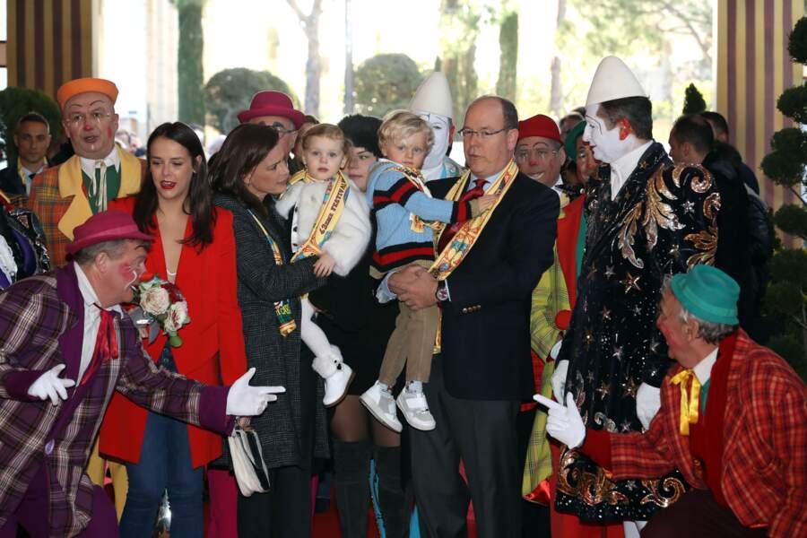 21 janvier 2018 : les jumeaux Princiers, accompagnés de Stéphanie de Monaco et du prince Albert II. Ils arrivent au chapiteau pour assister à la 4ème représentation du 42e festival international du cirque de Monte Carlo.