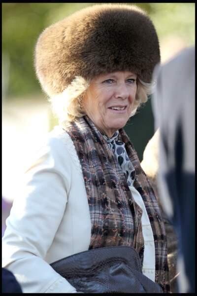 25 décembre 2010  : A 63 ans, la duchesse de Cornouailles était elle aussi, à la messe de Sandringham.