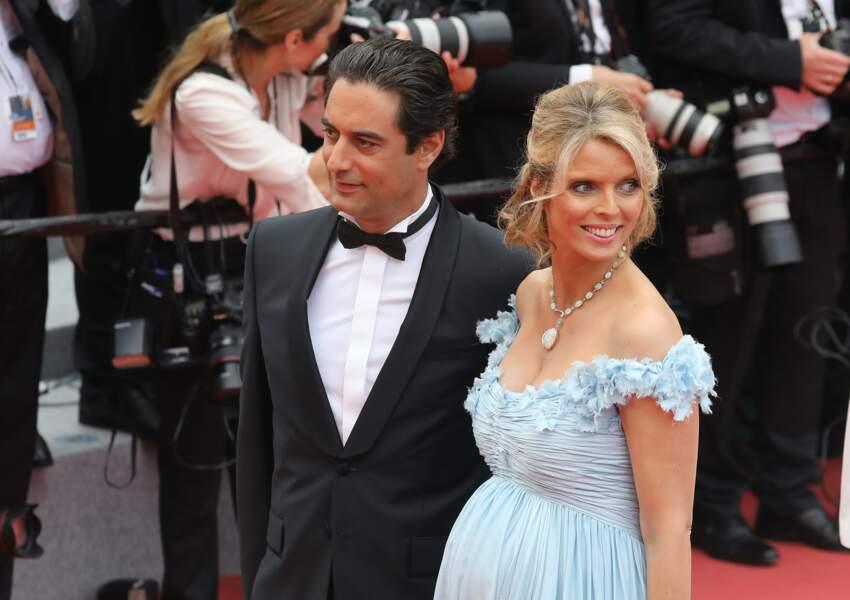 Sylvie Tellier, Miss France 2002 est mariée à Laurent avec qui elle a eu son dernier enfant, Roméo.
