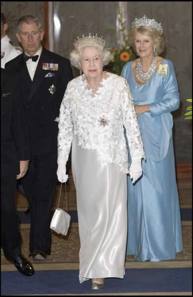 23 novembre 2007 : Aujourd'hui en bonne entente, Camilla Parker Bowles est régulièrement aux côtés de la reine Elizabeth II.
