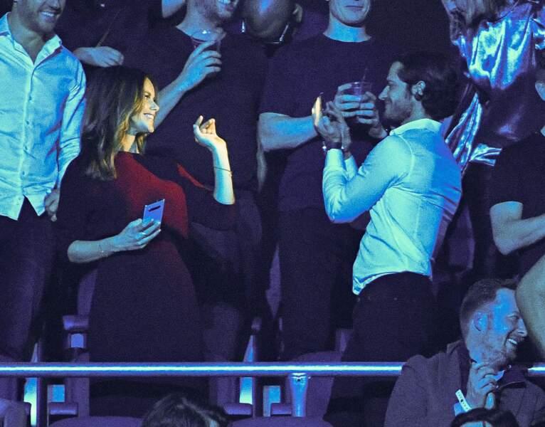 La princesse Sofia de Suède s'éclate avec son mari lors de ce concert hommage au DJ Avicci, décédé en avril 2018.