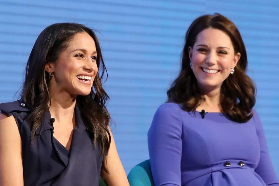 La famille royale n'a pas semblé apprécier cette baby shower très tape à l'œil. Par ailleurs, Kate Middleton n'y a pas mis les pieds, préférant rester en famille...