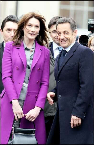 Nicolas Sarkozy et sa femme Carla Bruni en visite à Londres en mars 2008. Les premiers pas de la Première dame sont scrutés à la loupe.