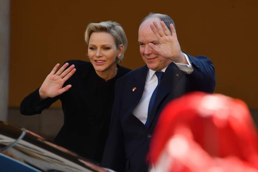 La princesse Charlene et le prince Albert II de Monaco ont presque fusionné, lors de la réception du couple présidentiel chinois, le 24 mars 2019.
