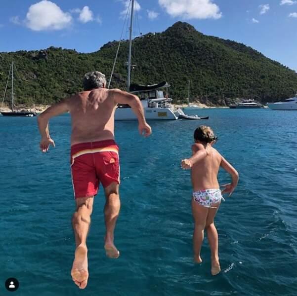En 2018, Alessandra Sublet passait les fêtes de fin d'année à St Barth au soleil avec sa famille. Elle a partagé un cliché de son père et de sa fille en plein plongeon.