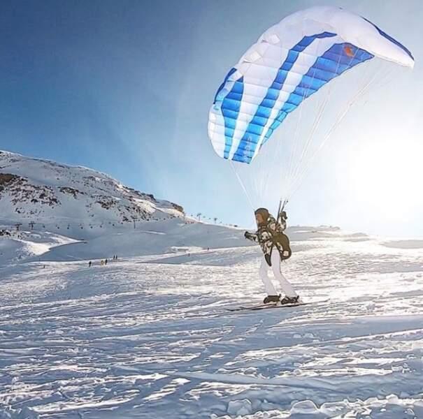 """Puis direction le ski pour Alessandra Sublet en janvier 2019, avec une folle envie d'""""être libre"""" comme elle le mentionne en commentaire de cette photo."""
