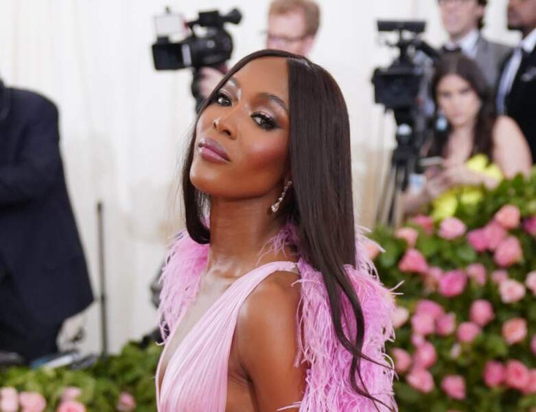 Naomi Campbell et son make up glossy