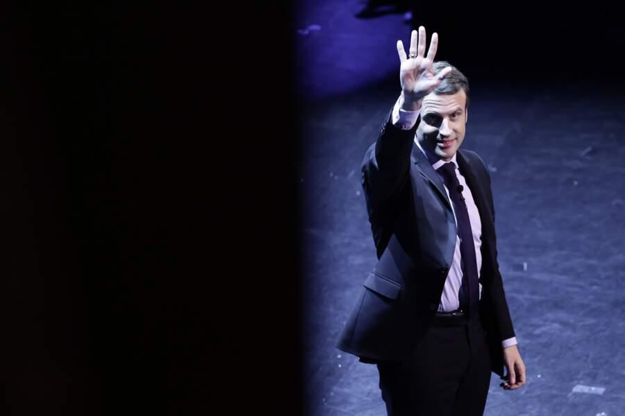 Emmanuel Macron et son hologramme