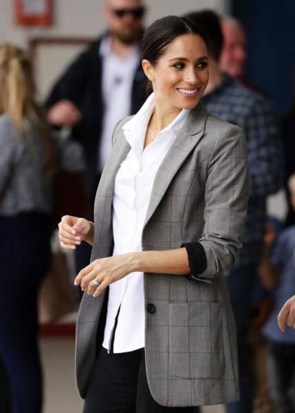 Meghan Markle adore les vestes prince de Galles portées sur un jean comme la princesse Diana.