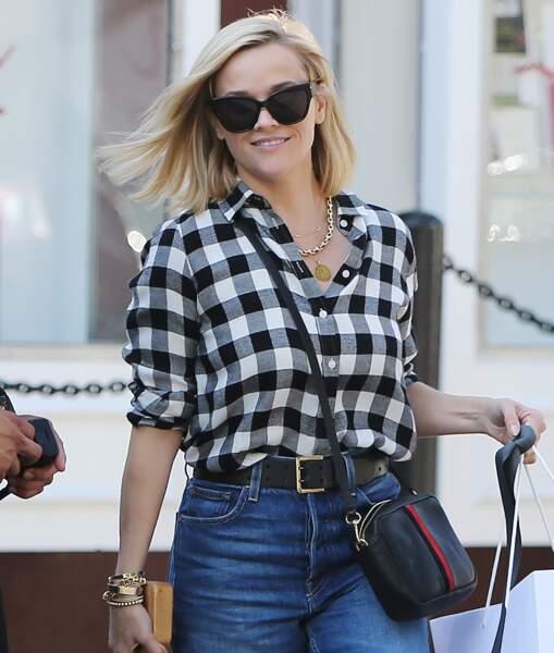 Un carré blond lisse et ensoleillé qui donne déjà envie d'être en été comme Reese Witherspoon.