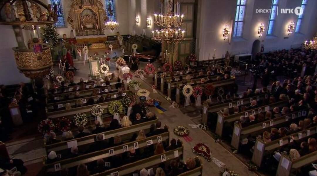 La cérémonie a été retransmise en direct sur les chaines norvégiennes TV2 et NRK