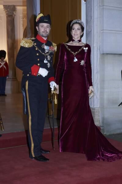 Le prince Frederik et la princesse Mary - La famille royale de danemark fete le Nouvel An au Palais d'Amalienborg a Copenhague au Danemark le 31 decembre 2013.
