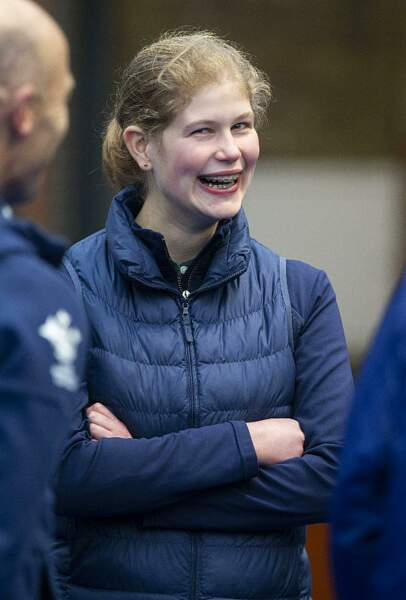 Lady Louise Windsor aussi souriante que sa maman !