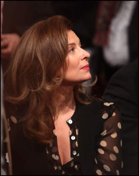22 octobre 2011 : Valérie Trierweiler participe à la convention d'investiture de François Hollande à la tête du Parti socialiste.