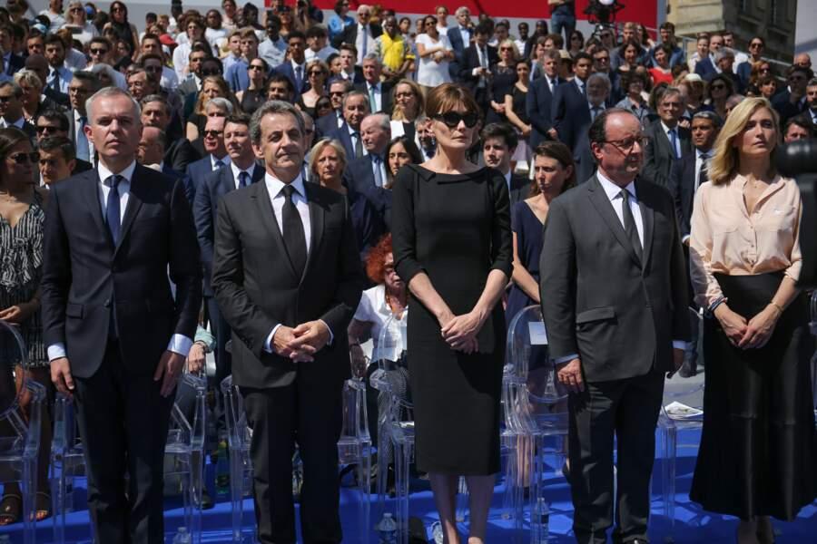 1 er juillet 2018 : François Hollande et Julie Gayet étaient aux côtés de Nicolas Sarkozy et de Carla Bruni lors de la Cérémonie d'entrée de Simone Veil et de son époux, Antoine, au Panthéon. C'est une apparition dite 'politique', apparition relativement rare dans leur cas.