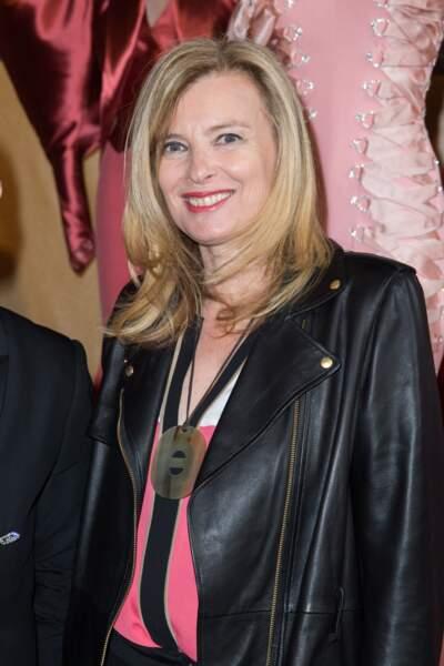 8 juillet 2015 : Valérie Trierweiler est à l'Opéra Garnier pour le défilé Alexis Mabille.