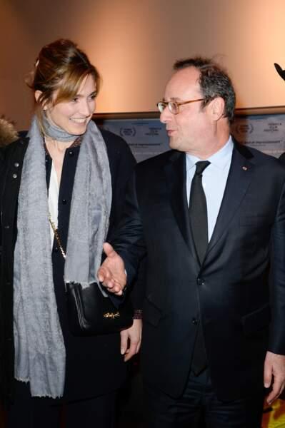 """26 janvier 2018 : François Hollande et Julie Gayet sont à la première du film """"The Ride"""" au MK2 Bibliothèque à Paris."""