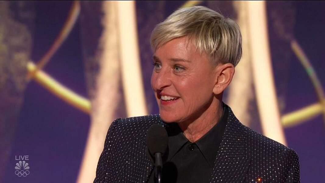 Adepte du court, Ellen DeGeneres s'est affichée avec une coupe au bol courte lors de la cérémonie des Golden Globes 2020.