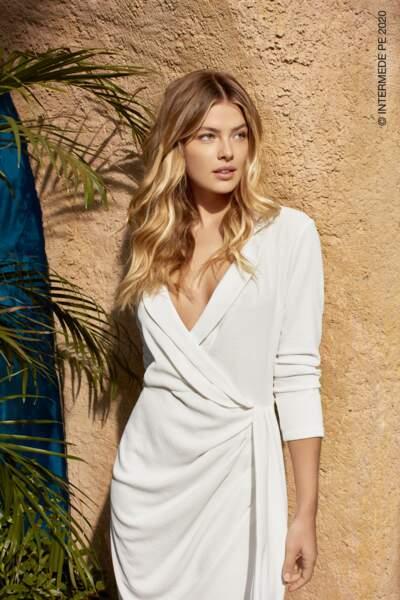 De larges ondulations pour un look ultra-glamour chez Intermède.