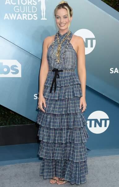 Margot Robbie, sans surprise, en robe longue Chanel.