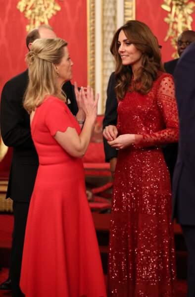 Sophie Rhys-Jones, comtesse de Wessex, Kate Middleton, se sont accordées sur le choix d'une robe rouge.