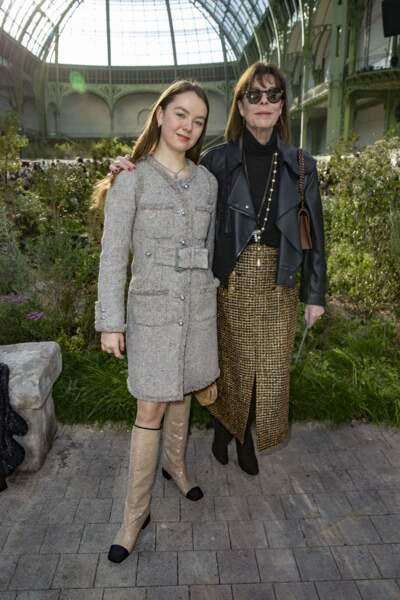 La princesse Alexandra de Hanovre et sa mère la princesse Caroline de Hanovre, chic et naturelles en front row du défilé Chanel le 22 janvier 2020.