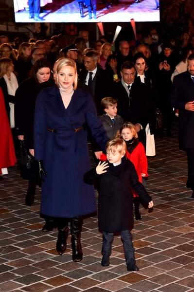 Lors des célébrations de la Sainte-Dévote, le prince Jacques et la princesse Gabriella semblaient très sages