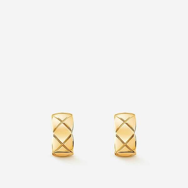 Boucles d'oreilles en or jaune, 2950€, Chanel Joaillerie