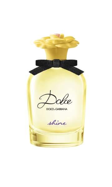 Deva Cassel incarne le nouveau parfum Dolce Shine de Dolce & Gabbana