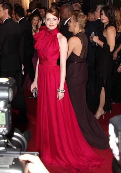 Emma Stone en robe vaporeuse Giambattista Valli, pour la 84e cérémonie des Oscars en 2002