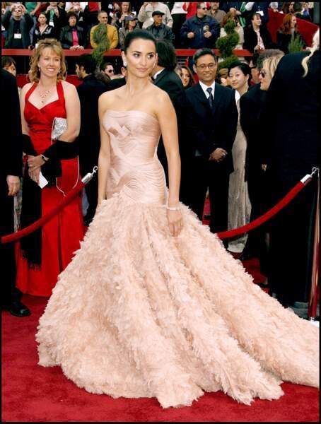Penelope Cruz en Versace pour la 79e cérémonie des Oscars en 2007