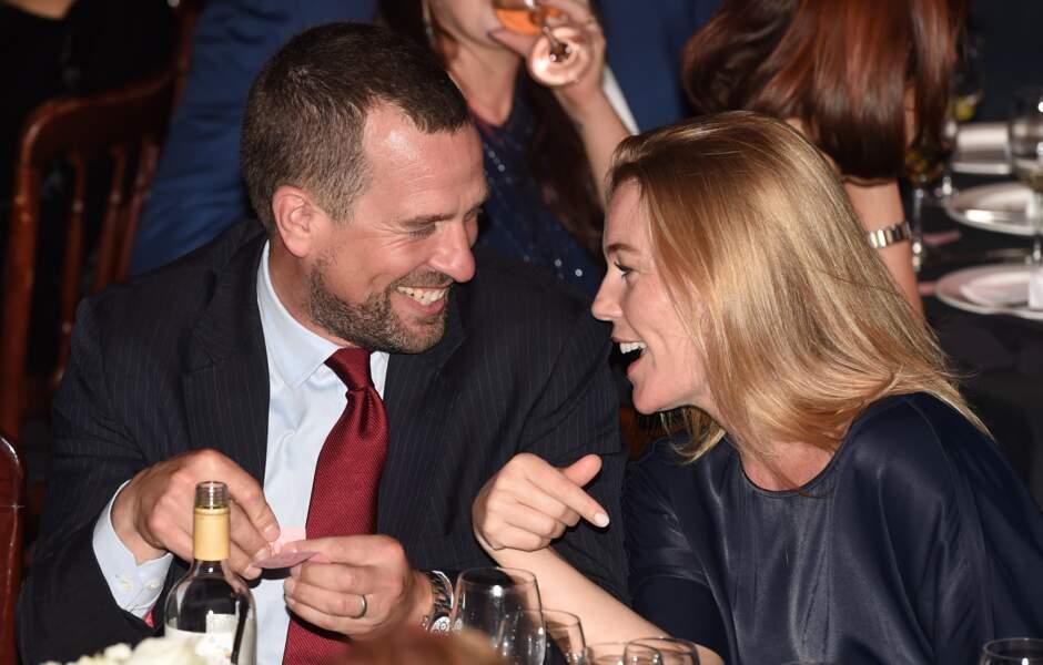 Après douze ans de mariage, le couple a récemment annoncé sa séparation. Peter Phillips et Autumn Kelly se partageront la garde de leurs deux filles, Savannah et Isla.