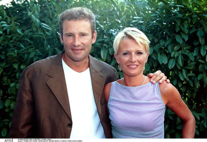 1999 : Sophie Davant et son mari depuis 8 ans, Pierre Sled avec qui elle divorcera au bout de 23 ans de mariage.