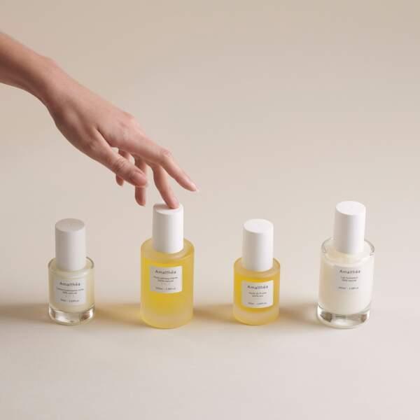 Chez Amalthéa, jeune marque française de soin, tous les produits sont vegan à l'exception des crèmes visage, mais il faut noter que pour ces référence, c'est un dérivé de la cire d'abeille, le polyglyceryl-3 beeswax, qui est utilisé comme ingrédient.