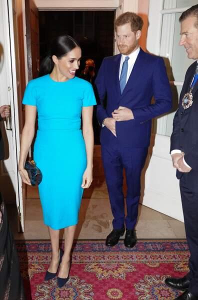 Meghan Markle a fait son effet dans une robe Victoria Beckham