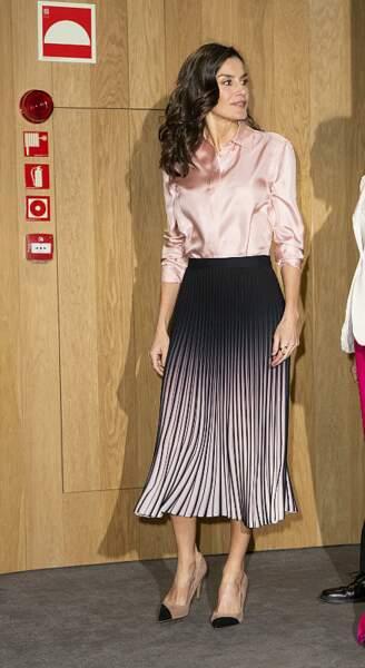 On s'inspire : la jupe plissée couleur dégradée de Letizia d'Espagne