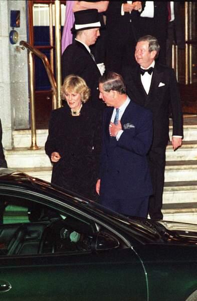 Le prince Charles et Camilla Parker Bowles à Londres, le 27 janvier 1999