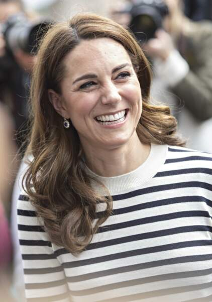 Si la princesse Charlotte arbore une adorable marinière, sa maman Kate Middleton avait déjà ouvert le pas lors du lancement de la King's Cup, le 7 mai 2019.