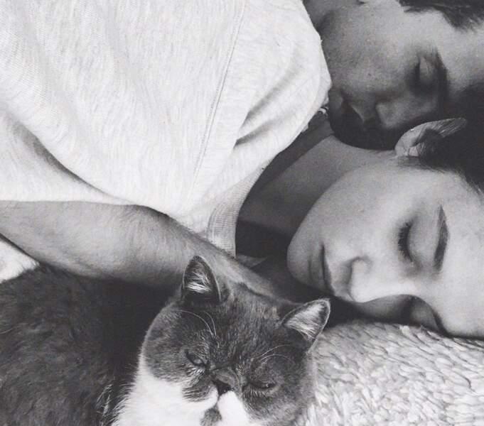 Sur Instagram, María Pedraza et Jaime Lorente n'hésitent pas à crier haut et fort leur amour.