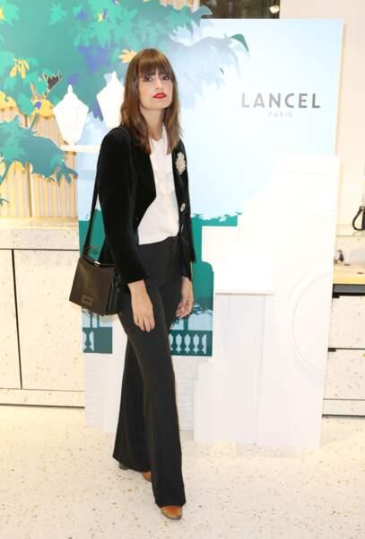 La chanteuse Clara Luciani à la boutique LANCEL d'Opera