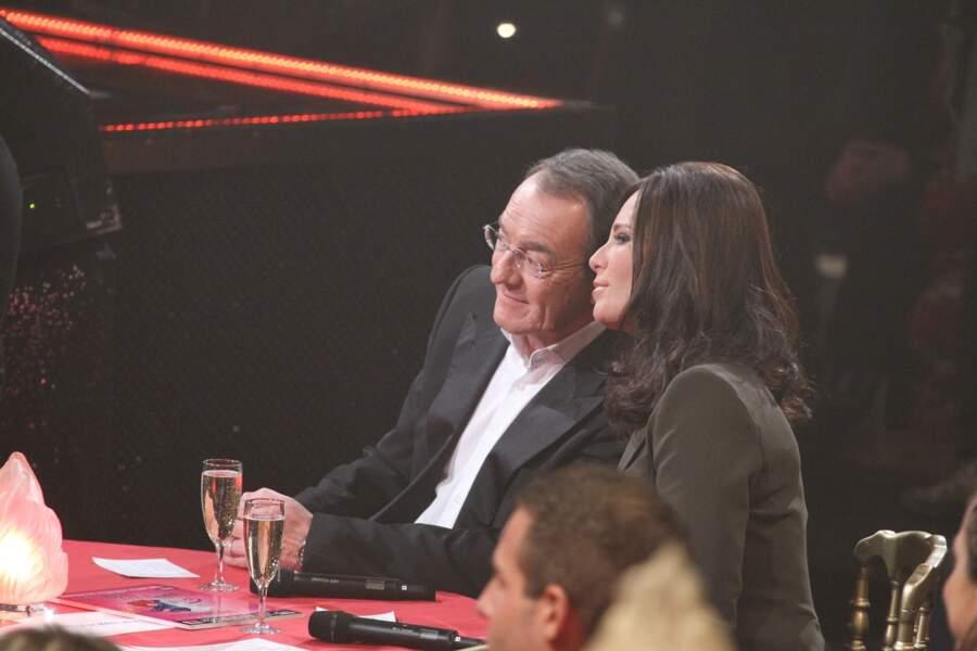 """Jean-Pierre Pernaut et Nathalie Marquay complices durant l'émission """"Le plus grand cabaret du monde"""" en 2012"""