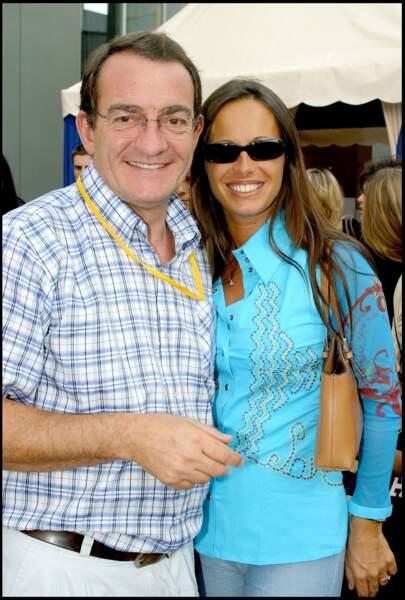 Jean-Pierre Pernaut, tout souriant au côté de Nathalie Marquay à DisneyLand en 2003