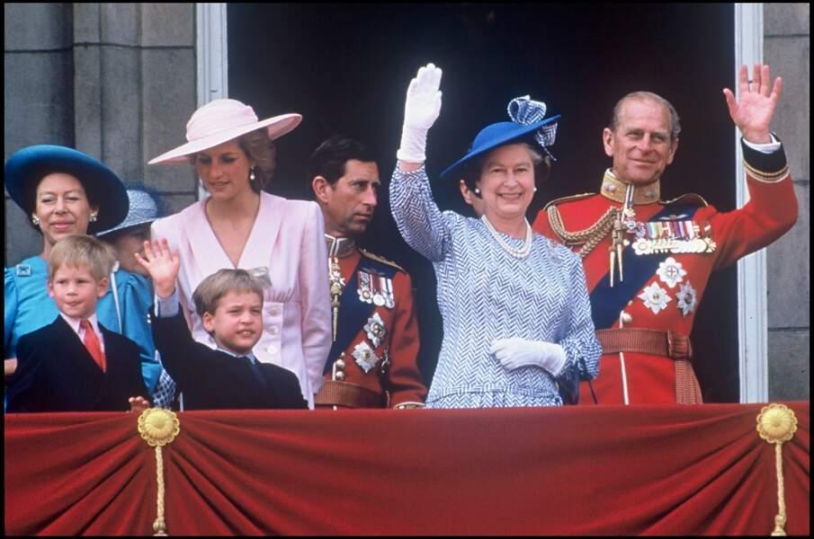 Le prince Philip et la famille royale d'Angleterre à Buckingham en 1989