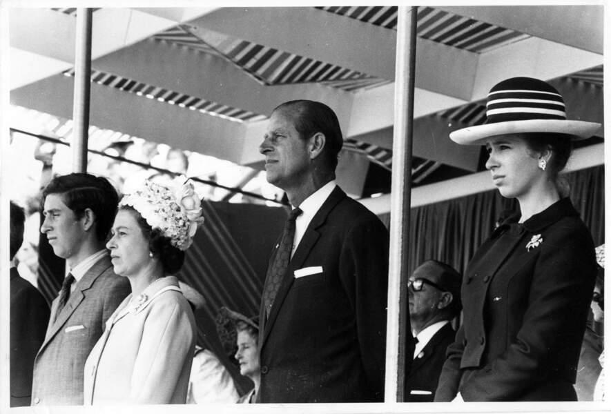 La reine Elisabeth et le prince Philip avec leurs enfants en Nouvelle-Zélande en 1970