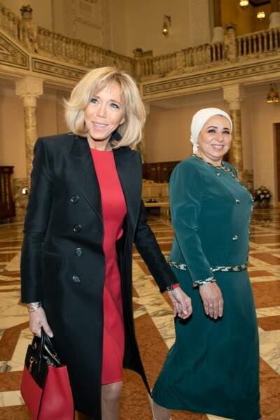 Brigitte Macron et Entissar Amer lors de la cérémonie d'accueil du président français au palais présidentiel du Caire, le 28 janvier 2019