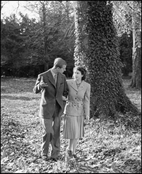 Le prince Philip et Elisabeth II lors de leur lune de miel à Broadlands en 1947