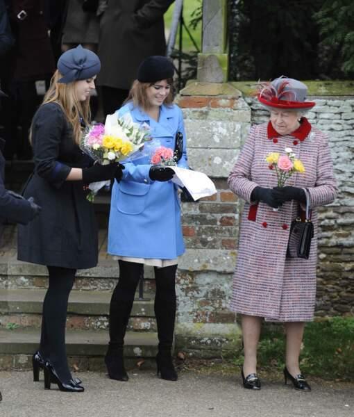 La reine Elisabeth II et ses petites filles Beatrice et Eugenie d'York, à Sandringham en 2008