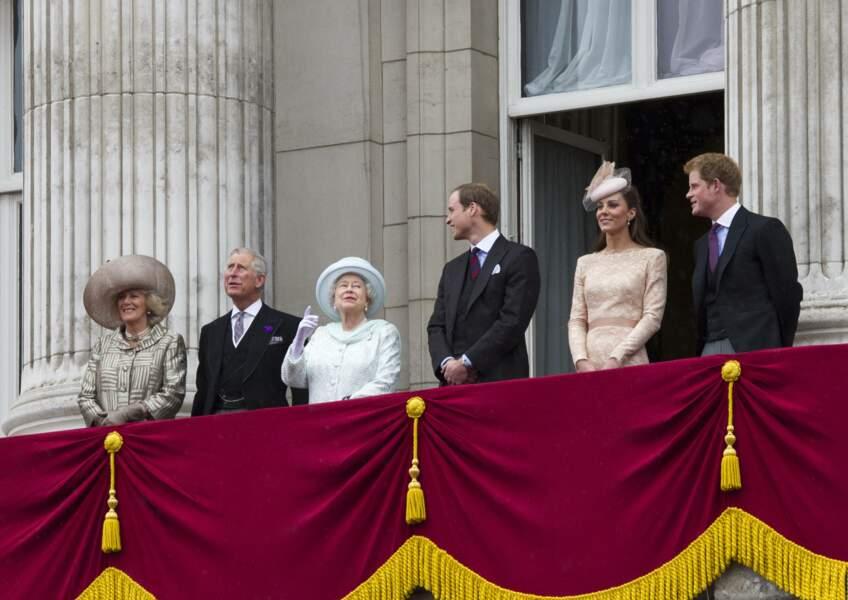 La famille royale d'Angleterre à Buckingham en 2012