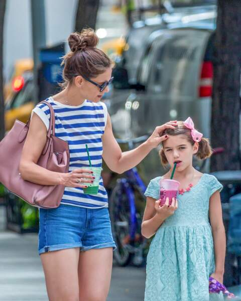 Katie Holmes et sa fille Suri Cruise  en look bohème le 17 août 2016.